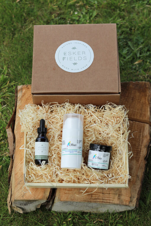 Esker Fields Hamper